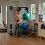 Samen oefenen met een therapeut van De Praktijk d=voor Fysio- en Manuele Therapie Gorredijk voor een snel resultaat