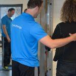Samen met therapeut Thiemen Koopmans oefenen voor een optimaal resultaat